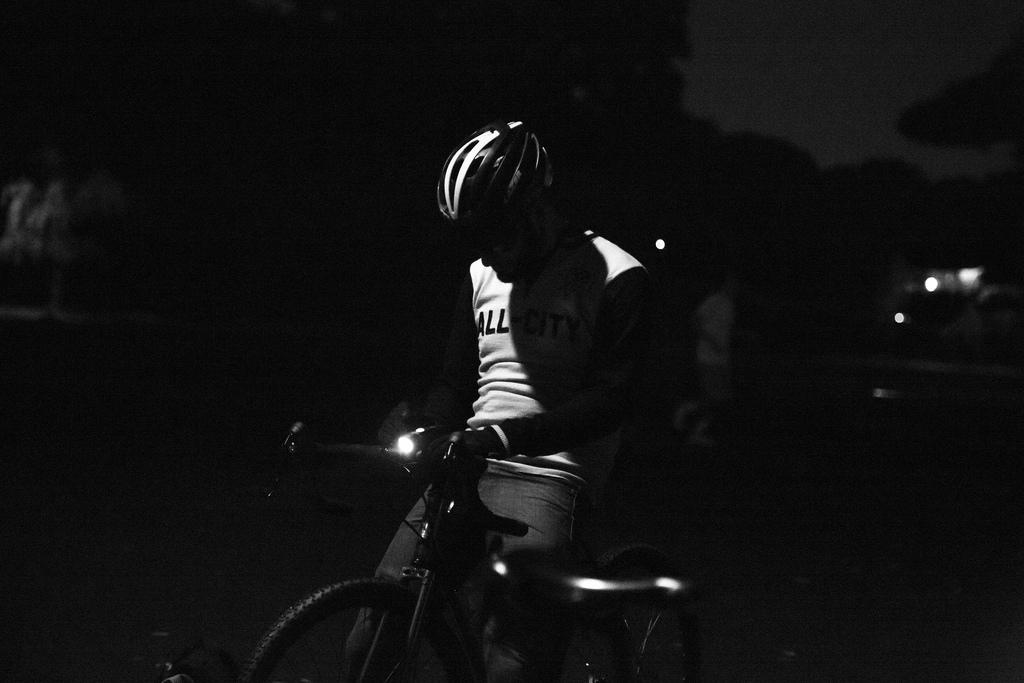Lee Basford: Tokyo Night Ride Photos